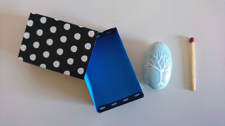 Arbol de la vida, piedra pintada a mano - puponelandia.com